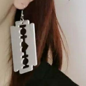 Jewelry - NWT XL Razorblade Heart Dangle Earrings